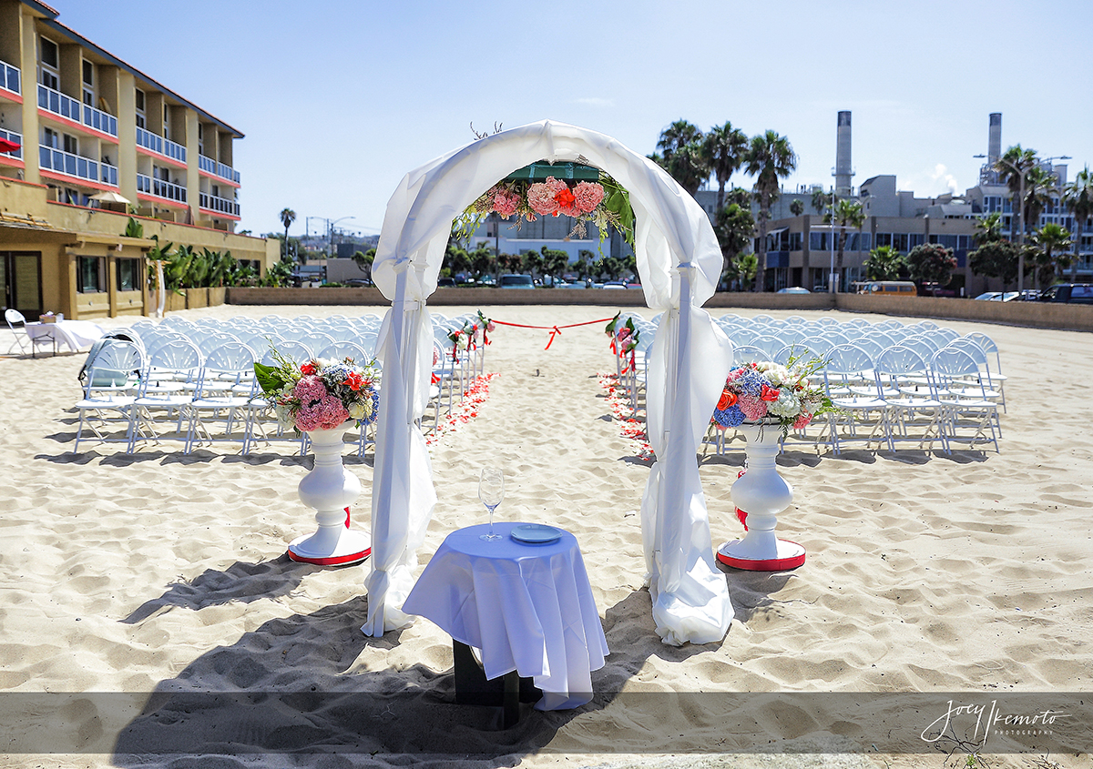 redondo beach charthouse wedding  los angeles  robert and
