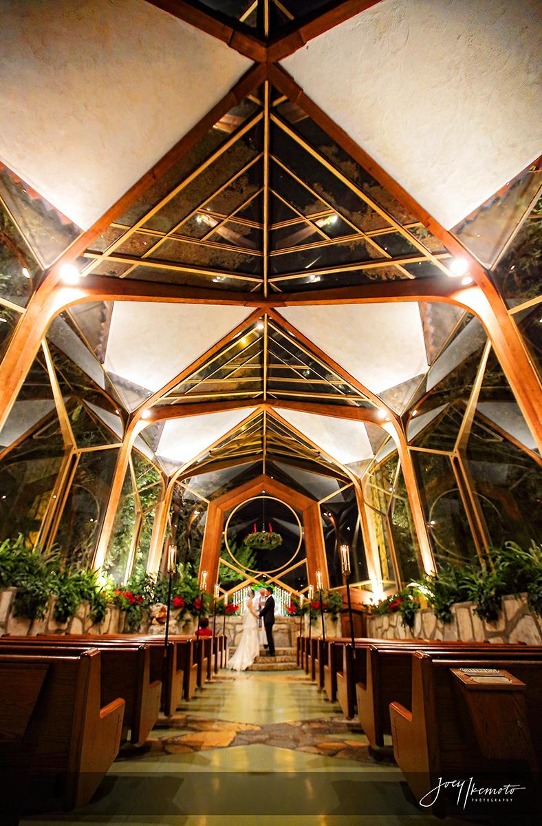 Wayfarers-Chapel-and-Roys-Restaurant-Newport-Beach-Wedding_0027_1705