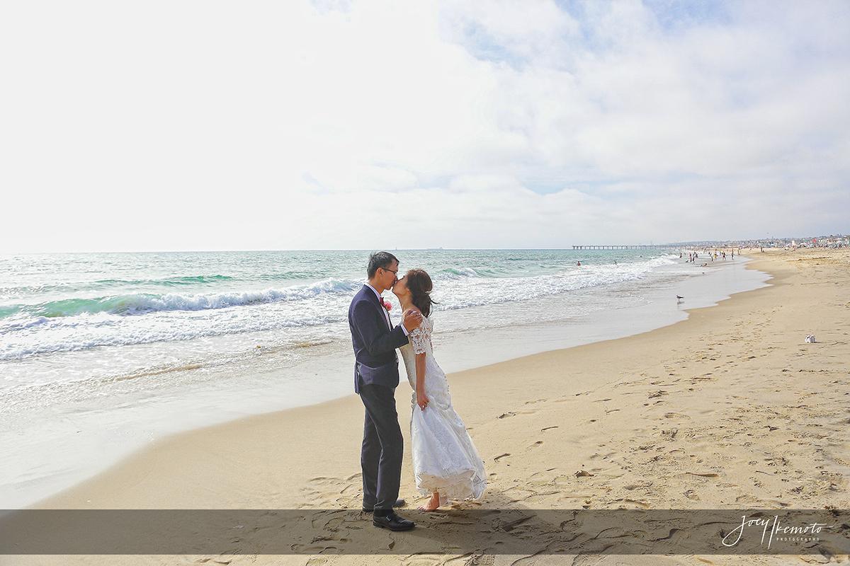 Wayfarers-Chapel-and-Portofino-Redondo-Beach-Wedding_0051_4081