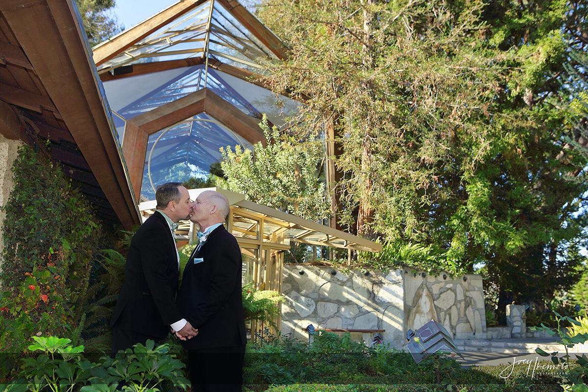 Wayfarers Chapel And Long Beach Marriott Wedding 0005 0281